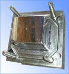Plastics molding tool