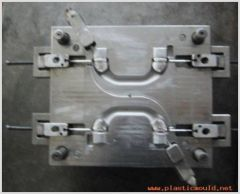 auto-fitting handle mould