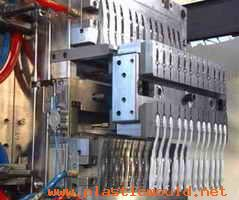 Automatic two-color molds