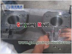 ZYI03 plastic injection IML bucket mould