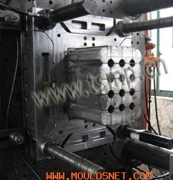 disposable crate mould