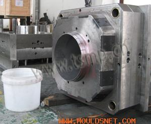 Injection Molds for Pails