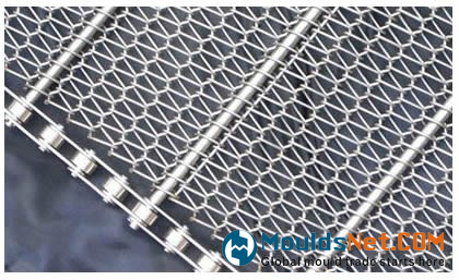 A balanced weave co<em></em>nveyor belt with chain l<em></em>ink edge