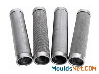 There are four cylindrical filter elements, including two sintered cylindrical filter elements and two woven cylindrical filter elements.